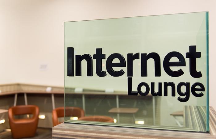 インターネットカフェのイメージ画像